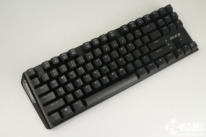 只为玩家 镭拓MXX樱桃轴机械键盘红轴版评测