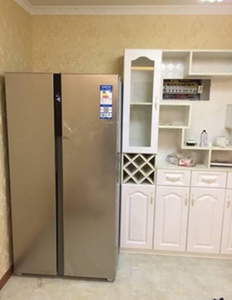 酒柜欠冰箱效果图