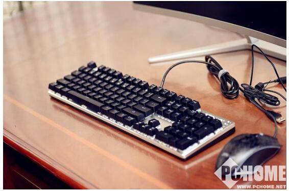 简约高效 ONE-UP K8S游戏机械键盘评测