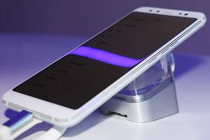 国美手机U7图赏 圆弧阶梯边框流光双面玻璃