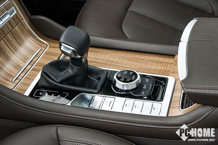 荣威RX8设计解析 科技感爆表的7座旗舰SUV