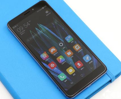 入门级普及全面屏 中国移动A5手机评测