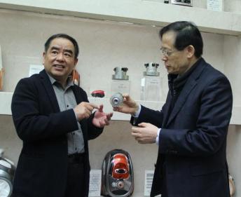 2018中国质量万里行吸尘器行业质量提升行动走进莱克