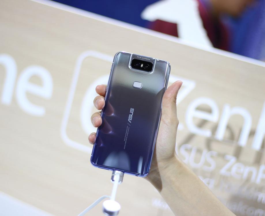 2019台北电脑展:华硕Zenfone 6手机上手